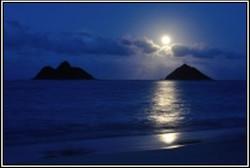 moonrise-lanikai-roger
