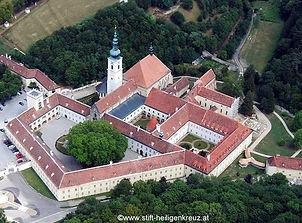 Heiligenkreuz_©www.stift-heiligenkreuz.a