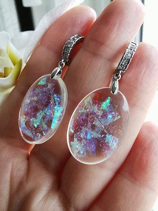 Örhänge 'glittrande ovaler' /opal imitation.