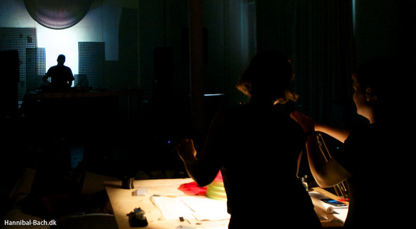 Visuals for Karen Gwyer at Phono14