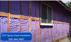 Spray-foam-insulation-vs-fiberglass-wins