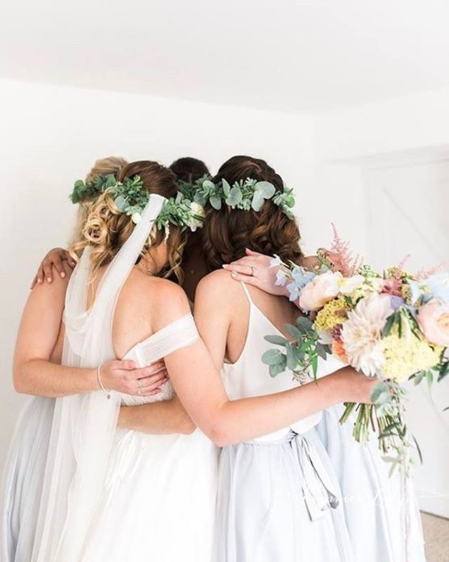 Your best girls make it all the better 👌🏼❤️ love this image by _summerlilyphoto of _sungbluephoto