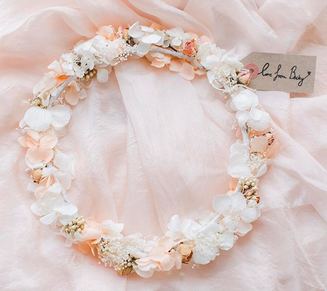Amelia Crown in Blush 💕 photo by _summerlilyphoto #weddingstyle #flowersinmyhair #bohemian #bride #