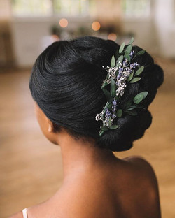 Check out the latest blog post from _festivalbrides 💕🌸 hair pieces by _love_from_becky photography