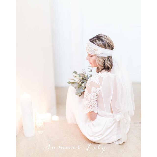 Totally in love with this picture 😍 photograph by _summerlilyphoto bridal wear and head piece by _l