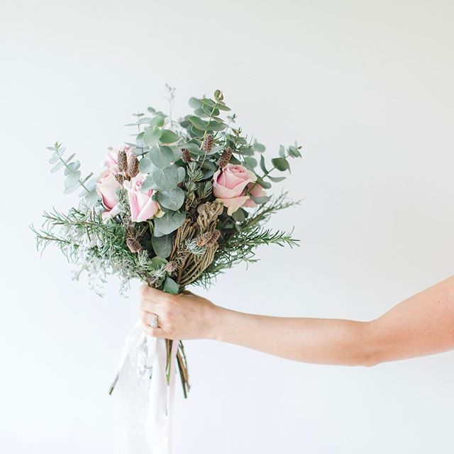 Garden bouquet 💐 _love_from_becky florals to accompany the _love_from_becky bridal separates which