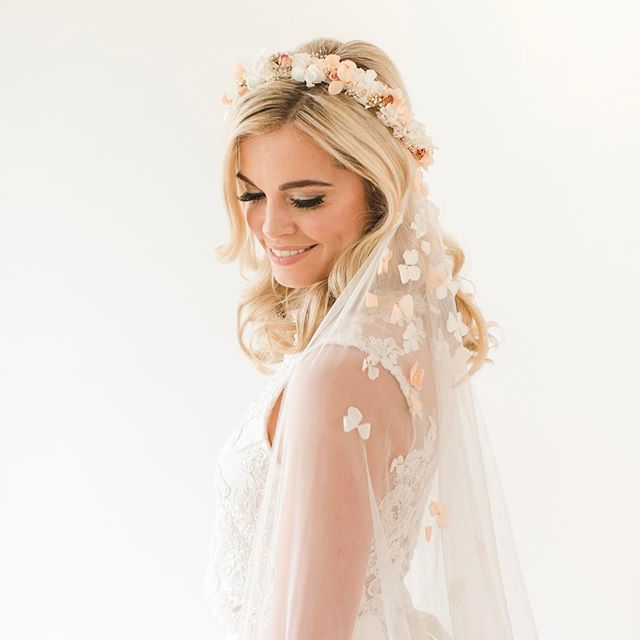 _mariefrancoisewolff killing it as always in one of our bridal two pieces with Amelia crown in blush
