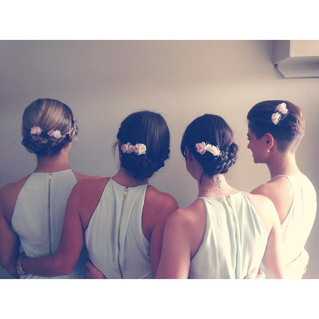 Gorgeous bridesmaids 🌸 _hcemarshall _sallyalstead #wedding #weddinginspo #bride #bridetobe #love #c