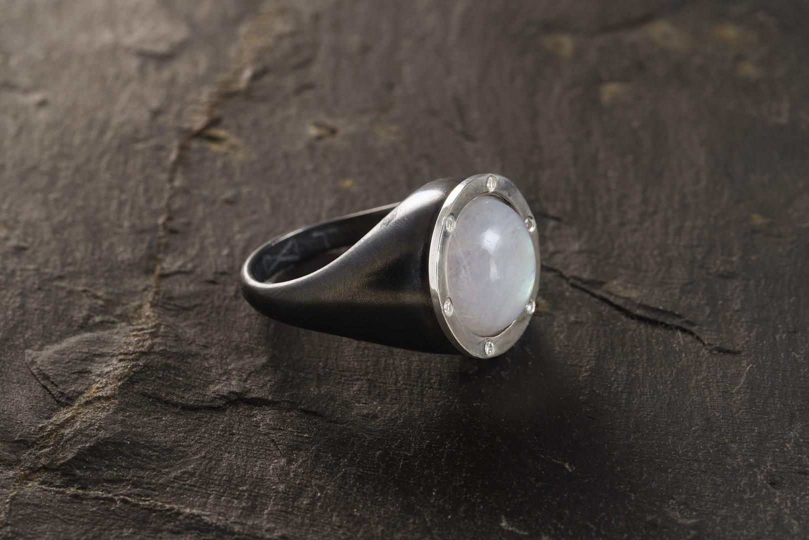 moon seal ring