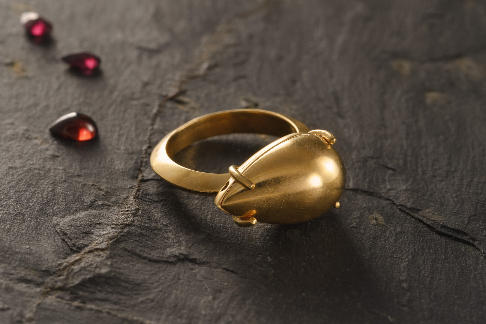 gold tear ring