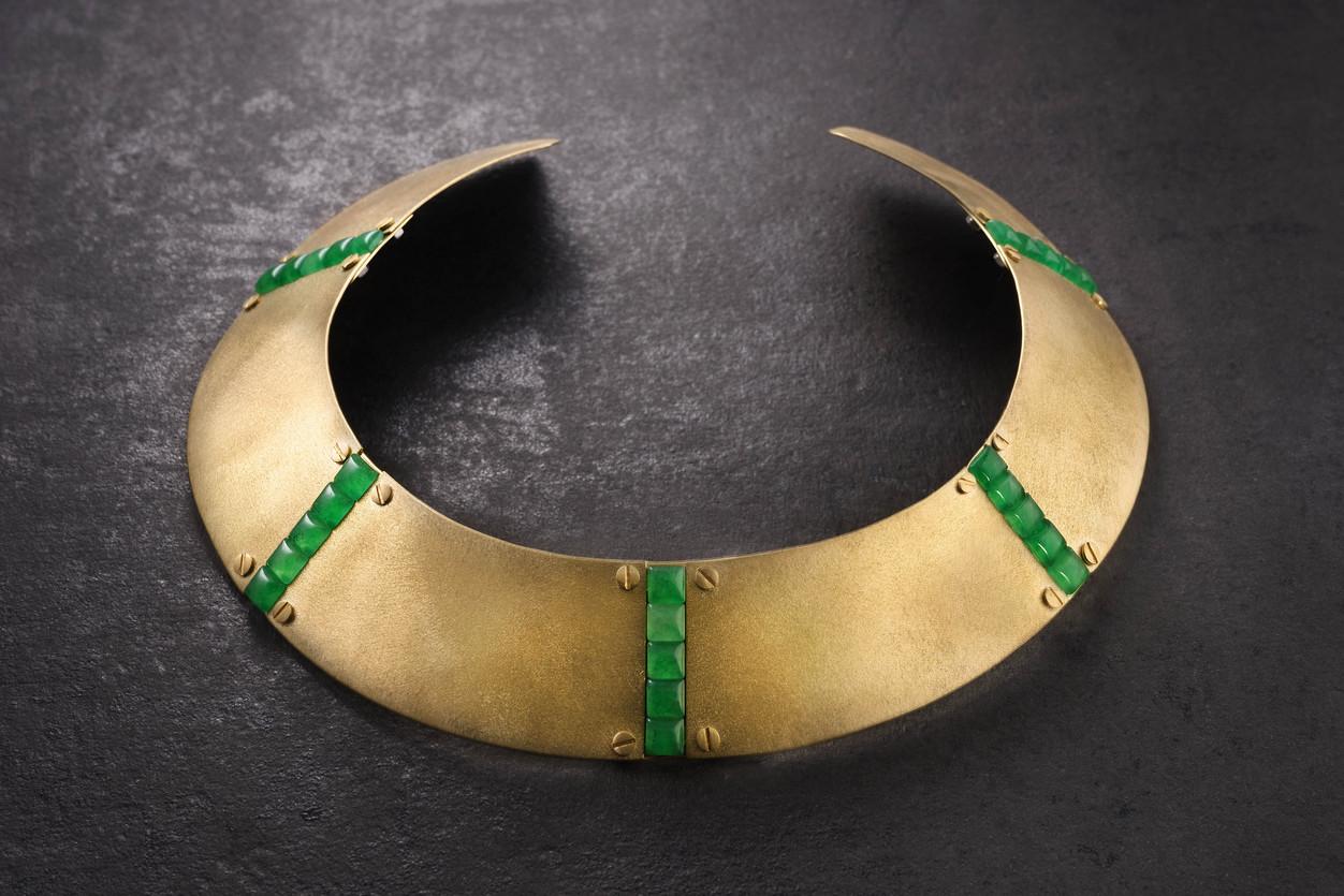 green pixel neckpiece
