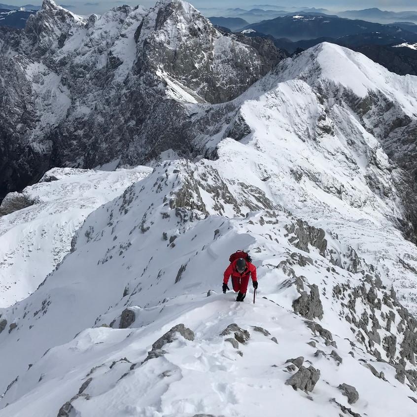 Še malo do vrha po grebenu