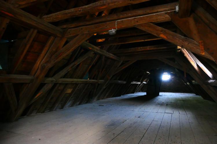 Oberste Dachstuhl-Ebene des Abtsgebäude