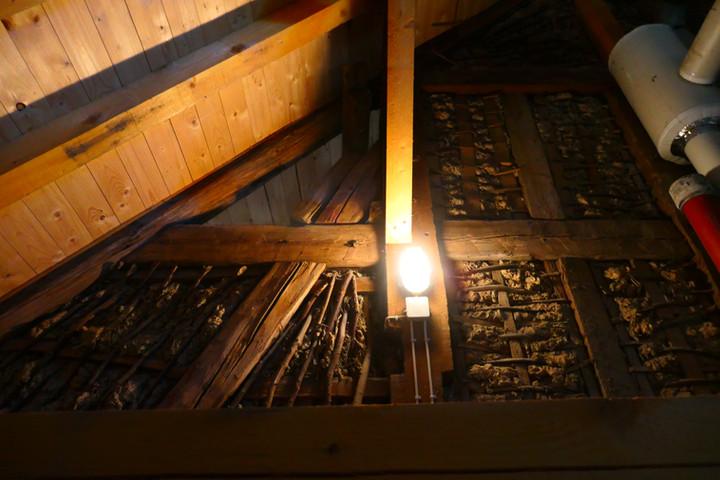 Altes Fachwerk im Dachstuhl des Abtsgebäudes