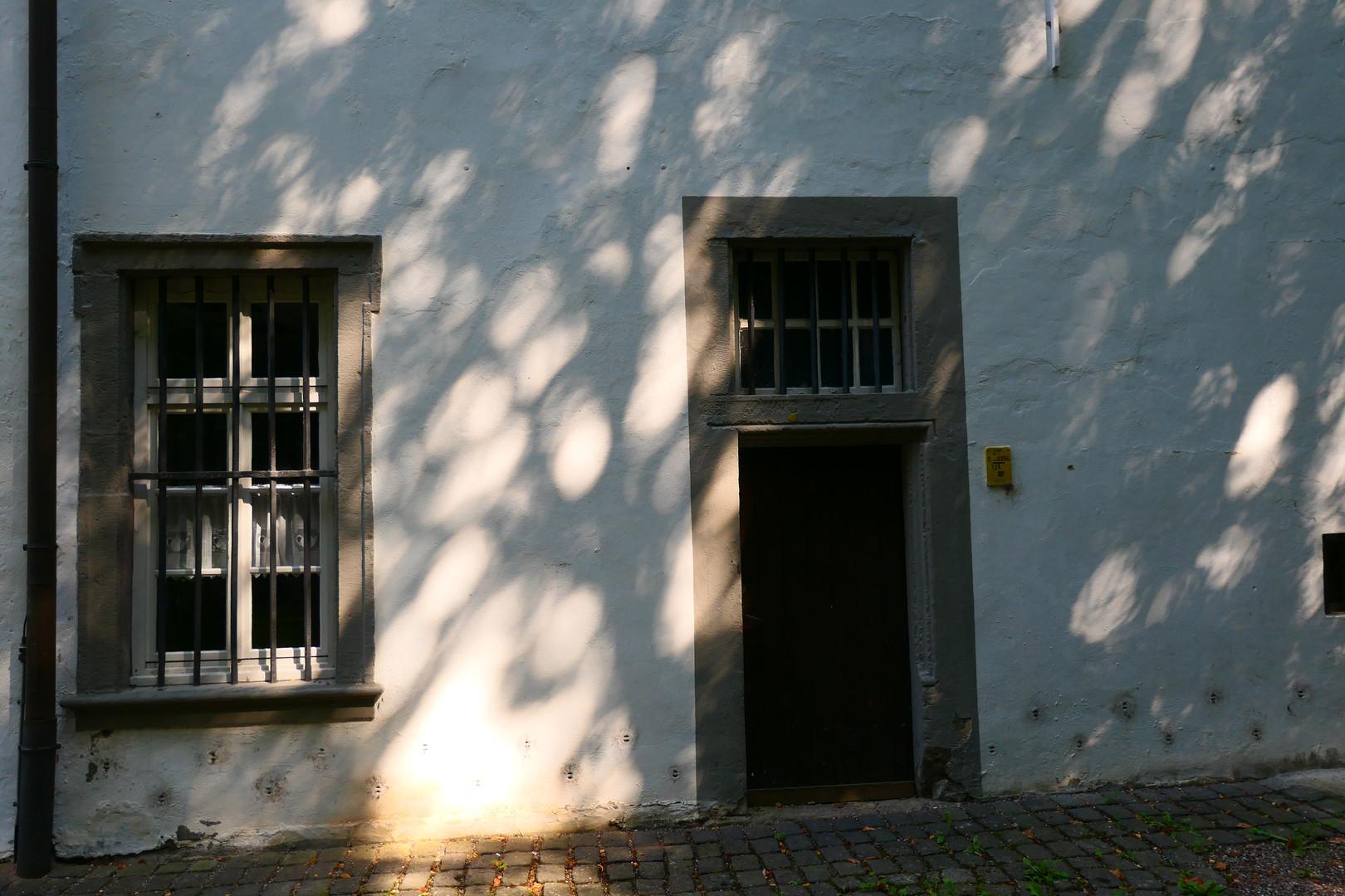 Hinter dem Abtsgebäude