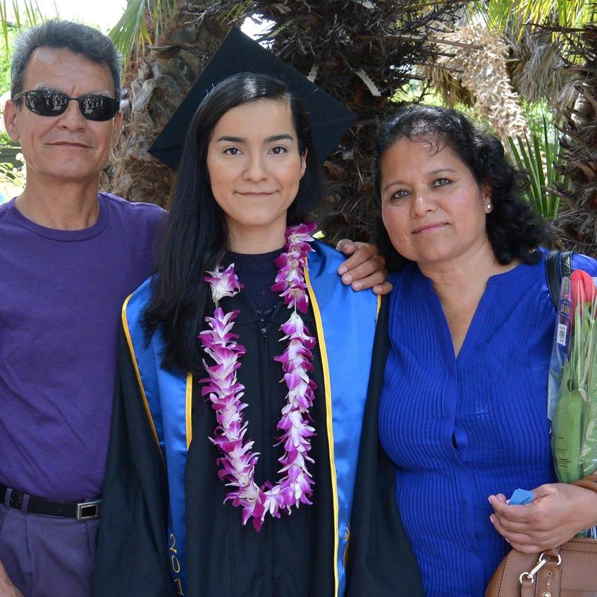 Graduation with Familia
