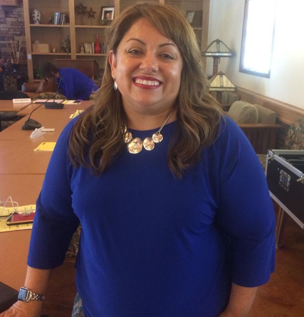 Dr. Paz Oliverez