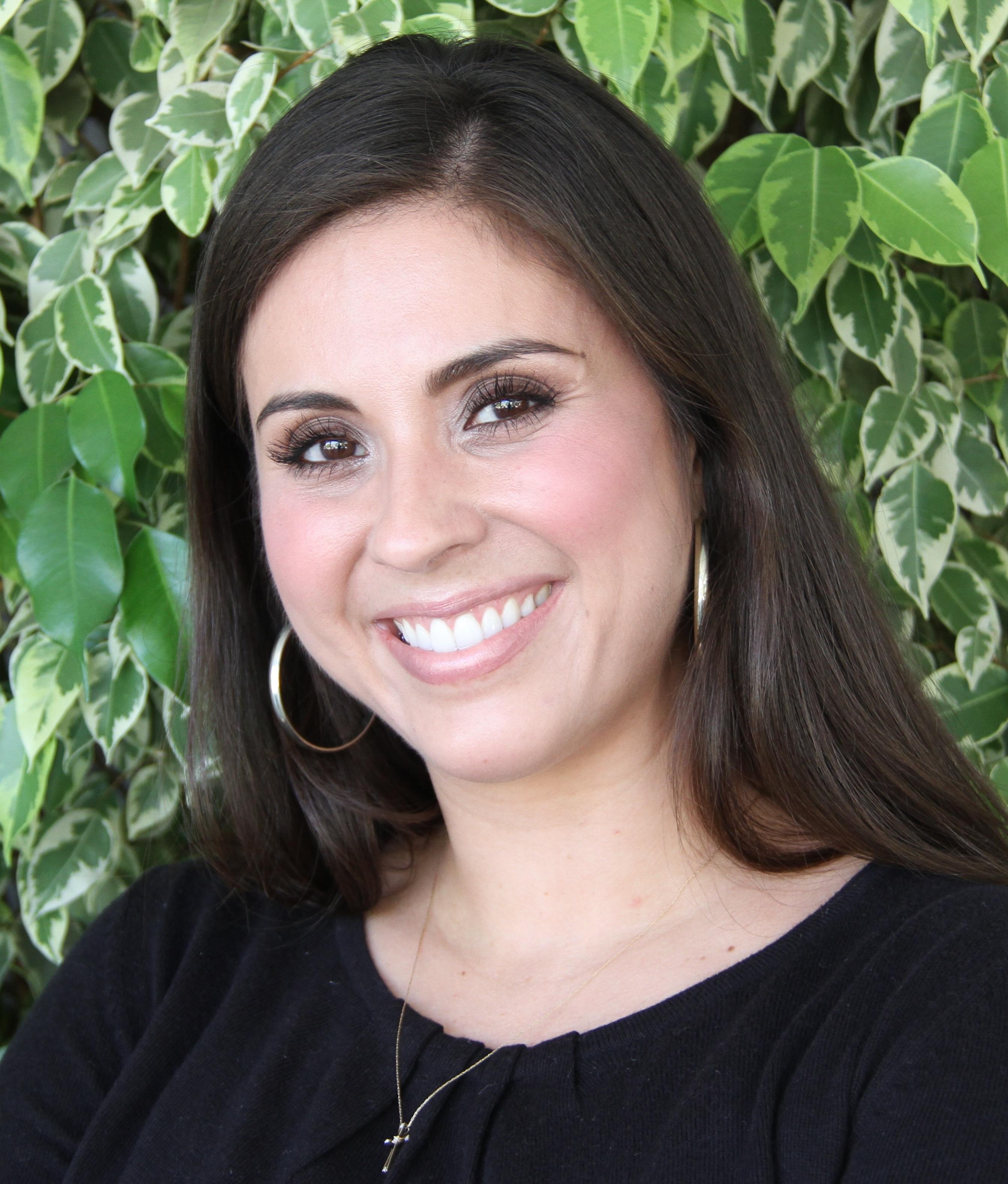 Dr. Verónica Nelly Vélez
