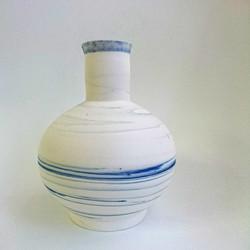 marbled vase 03