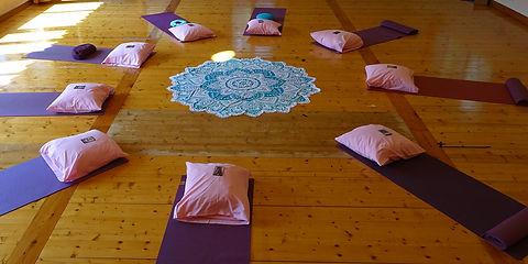 Ashtanga-yoga-et-lacher-prise-Trimurti-C
