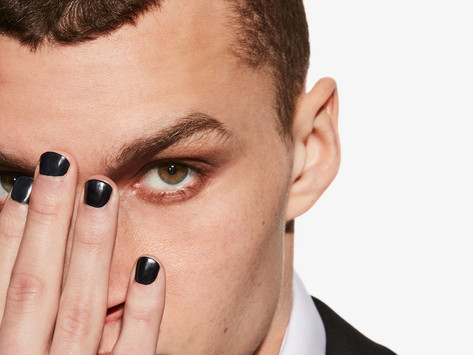 In desperate last-ditch attempt to get laid, man paints nails black