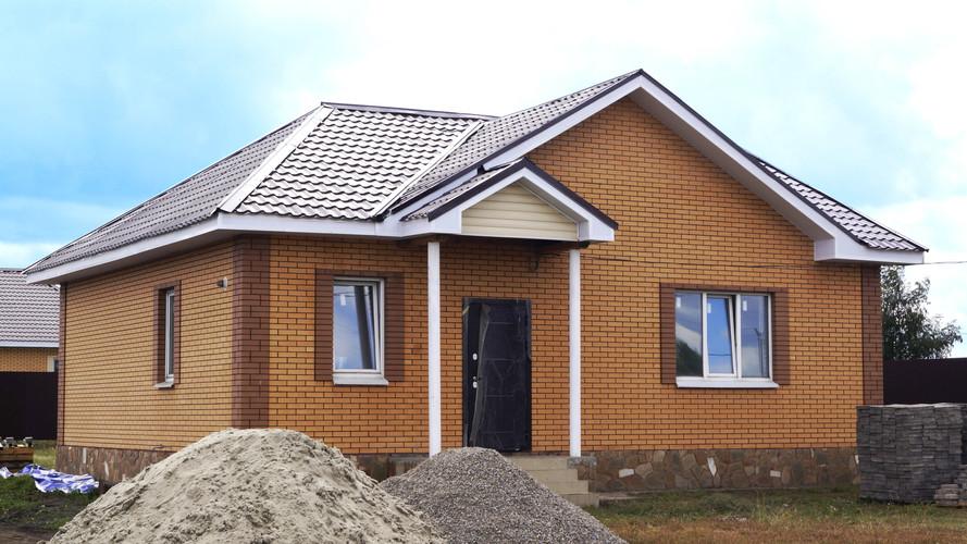 Одноэтажный дом с эркером.jpg