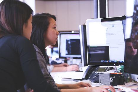 working-woman-technology-computer-7374.j
