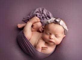 Briella Newborn014.jpg