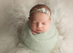 Genevieve newborn 012.jpg