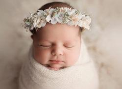 Olivia newborn012.jpg