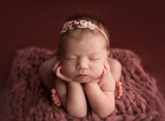 little moments matter photography  Newborn photographer lloydminster Lennon Newborn 020.jpg