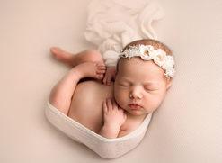 Lloydminster Newborn Baby Photographer_1770.jpg