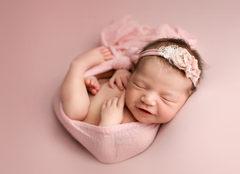Newborn photographer lloydminster LMM_1989-3.jpg