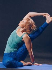 Три раза в неделю введена группу Хатха-йога в вечернее время.