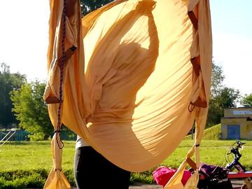Утренние йожные практики по понедельникам на свежем воздухе!