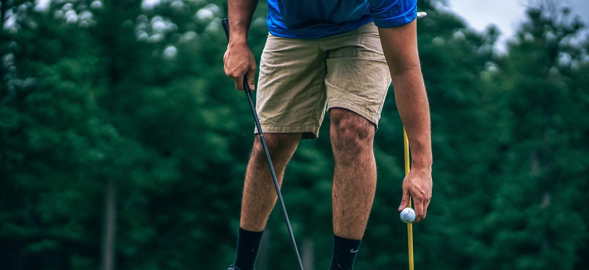 golf-golf-ball-golf-course-424741.jpg