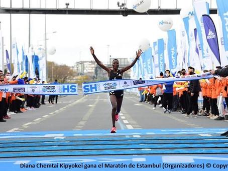 Los kenianos Kipyokei y Sang triunfan en el Maratón de Estambul