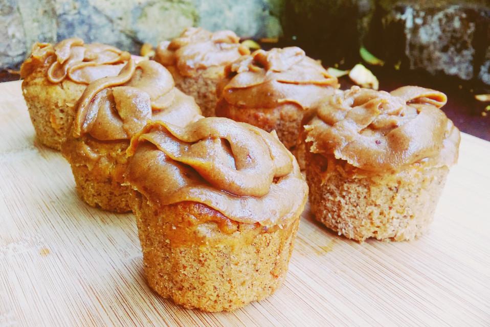 vegan, gluten-free, sugar-free carrot cake muffins