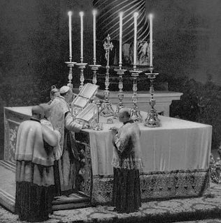 altar-cloth-with-lace-hem-st-peters-basi