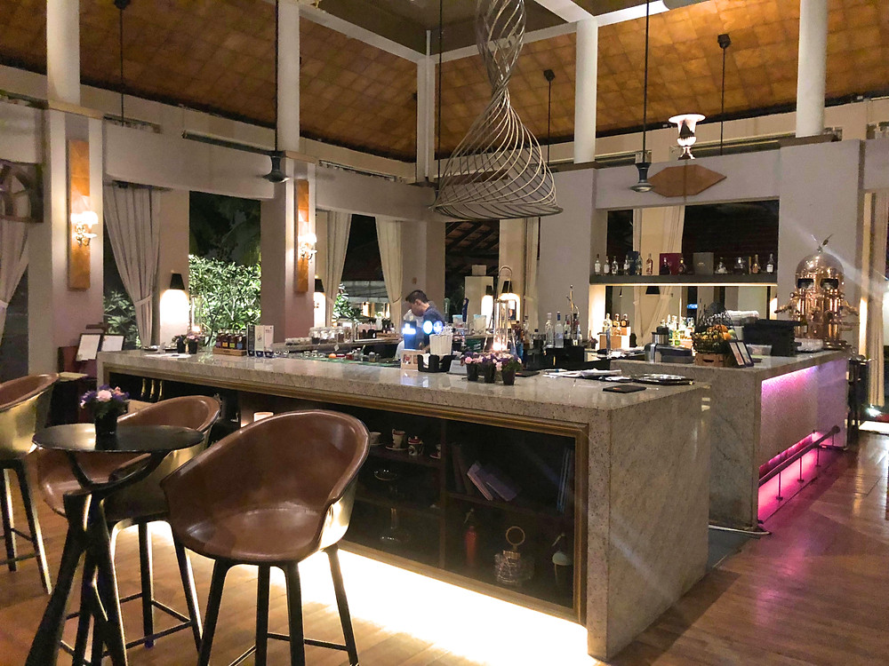 Bar area at Sofitel Singapore Sentosa Resort & Spa's Le Bar.