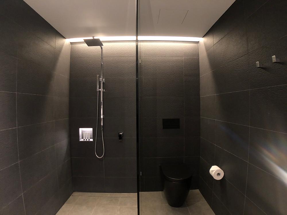 The Fantauzzo Brisbane Deluxe Riverview Balcony Room - The bathroom
