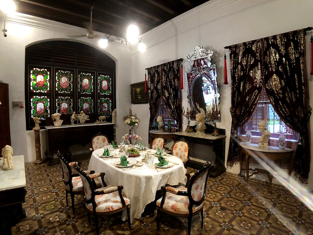 One of the smaller dining areas in Pinang Peranakan Mansion
