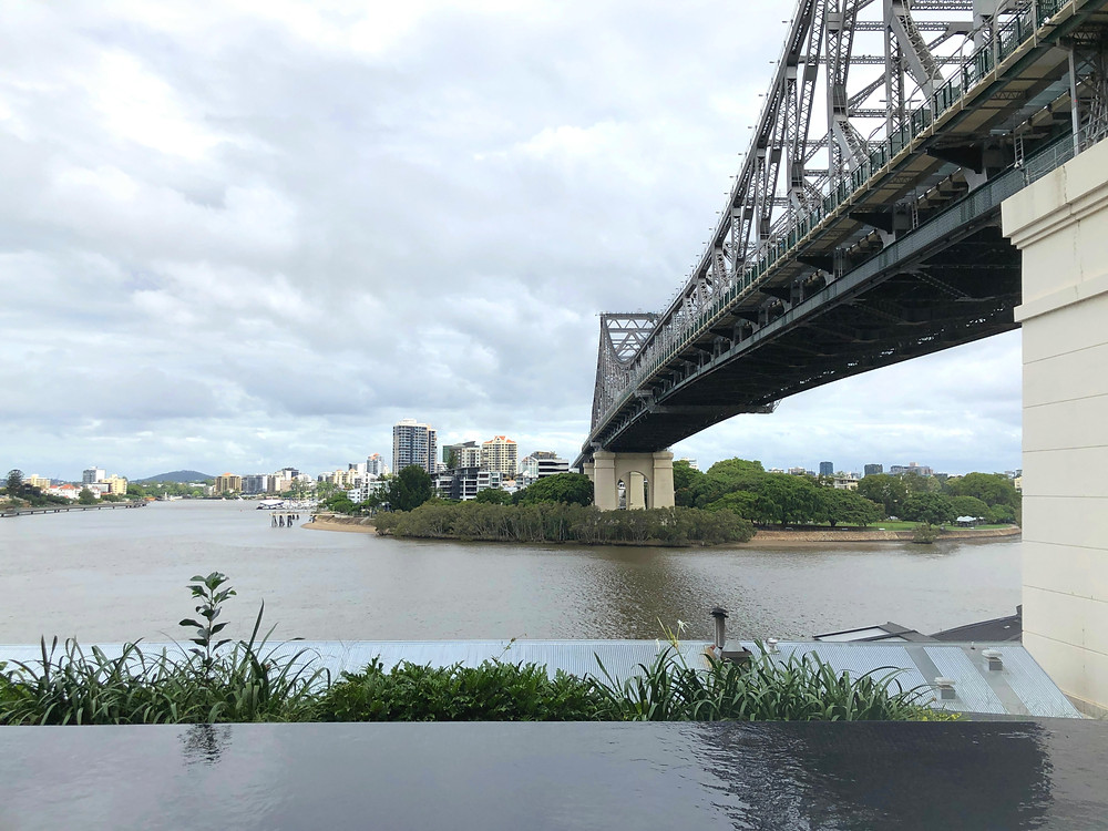 The Fantauzzo Brisbane - View of Story Bridge from the infinity pool