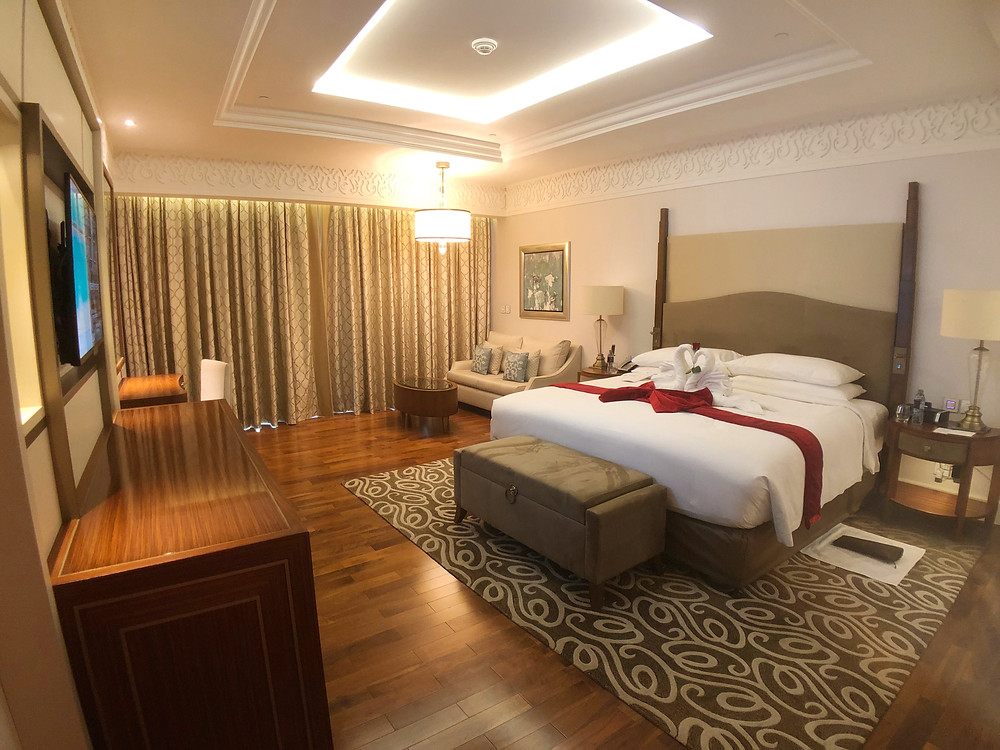 Waldorf Astoria Suite with Sea View - A spacious bedroom in our suite
