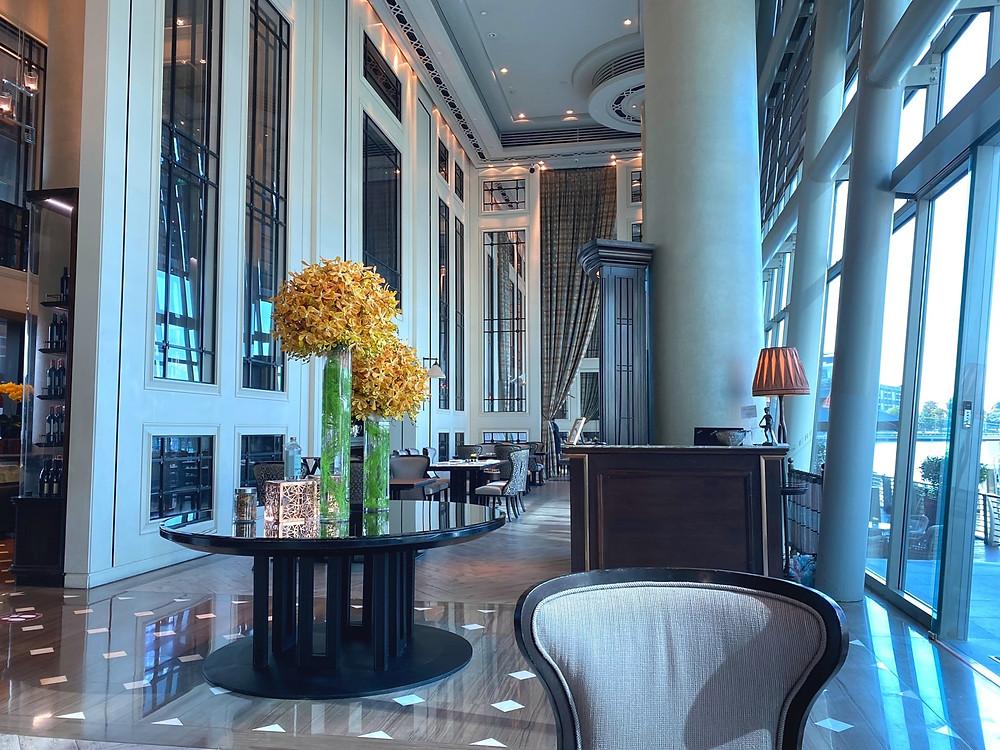Fullerton Bay Hotel - Inside La Brasserie for breakfast