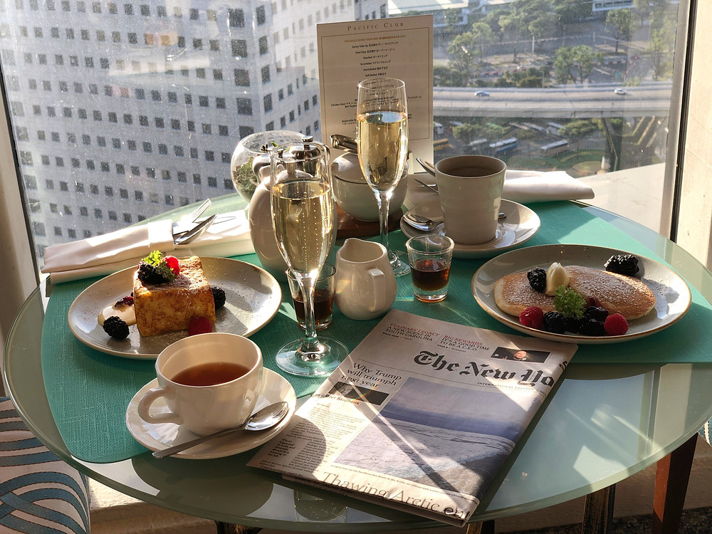 Pacific Club Lounge - Pancakes, French toast, champagne, and The New York Times