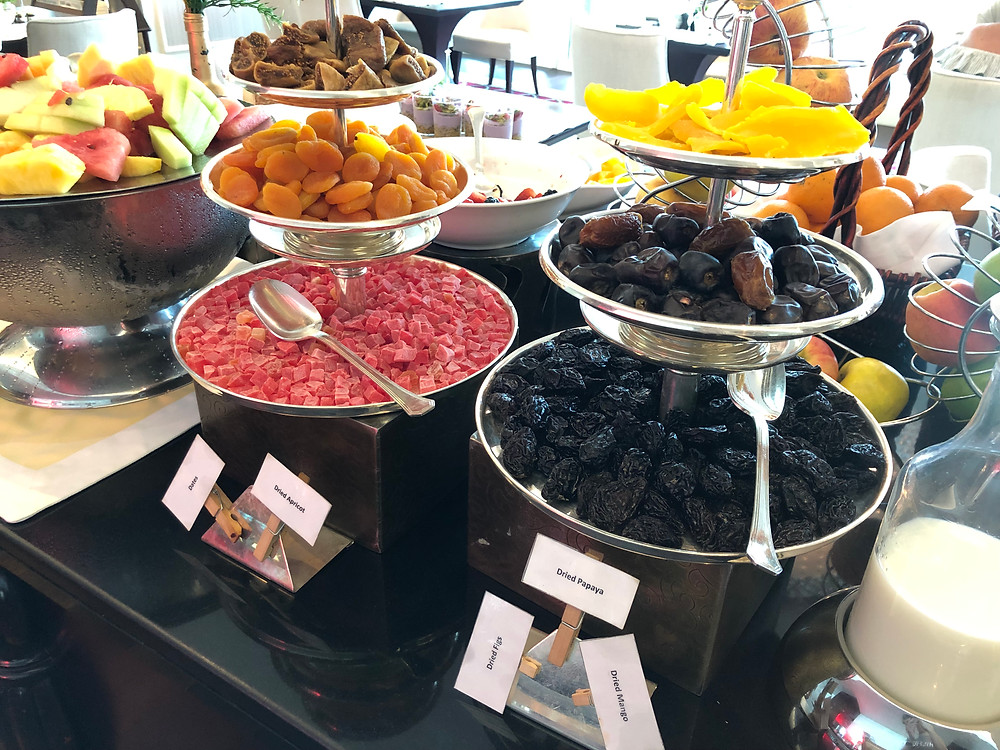 Pearl Club Lounge - Local treats are always a delight