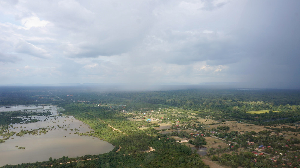 Starting off the helicopter flight towards Angkor Wat