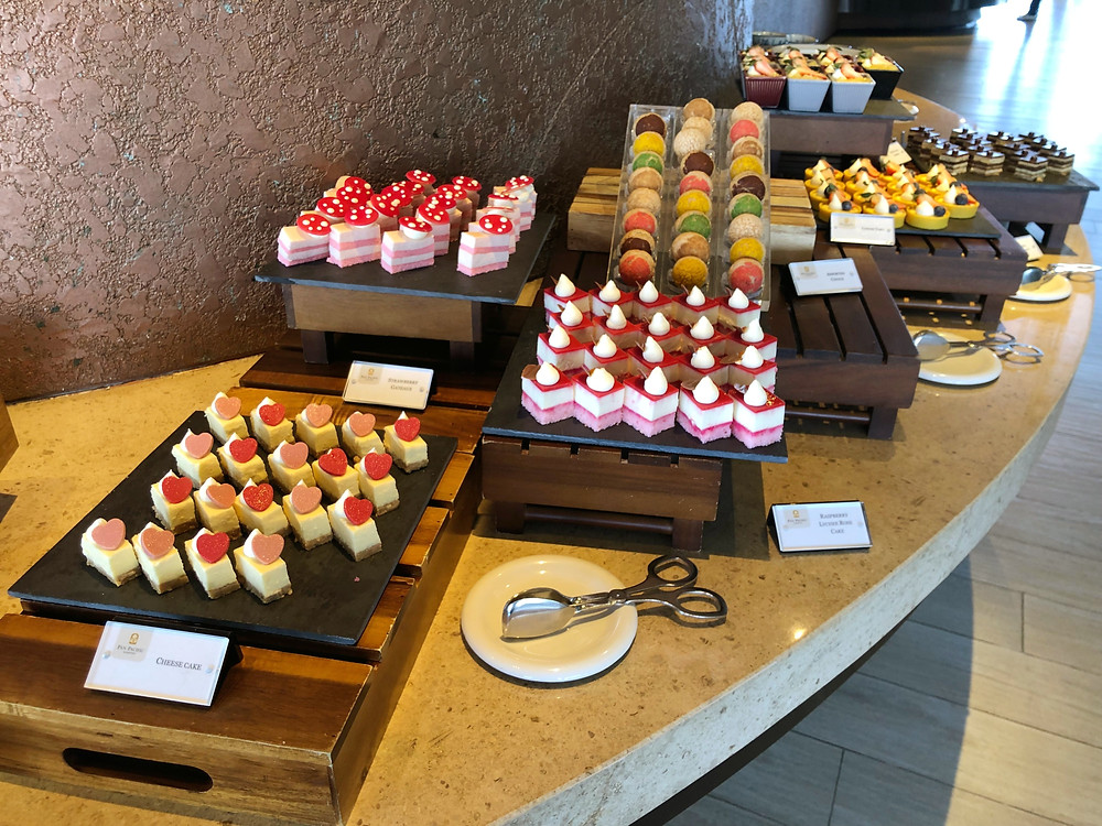 Pacific Club Lounge - Sweet treats during the lounge's afternoon tea service