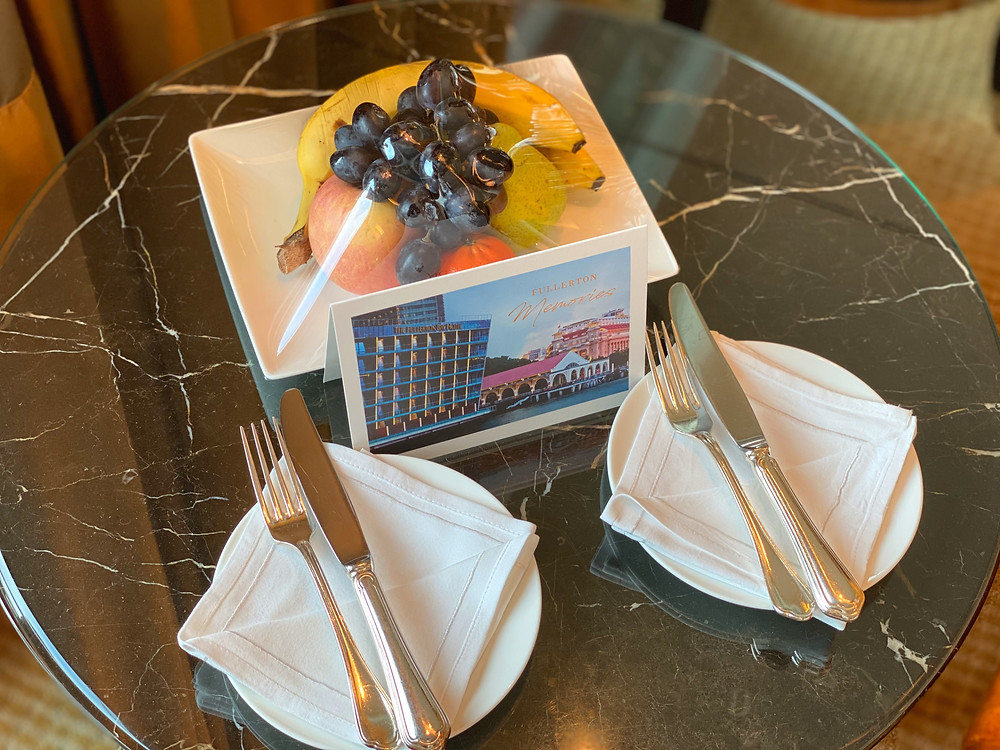 Fullerton Bay Hotel Premier Bay View Room - A fantastic welcome gift